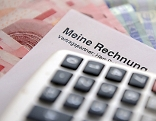 Rechnung Banknoten Geldscheine Taschenrechner