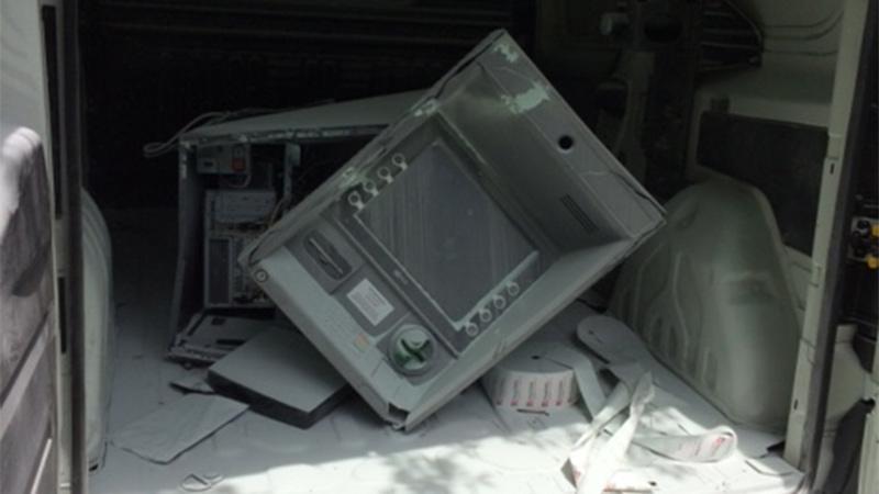 Bankomat Geldautomat geknackt Fiat Doblo Treffen
