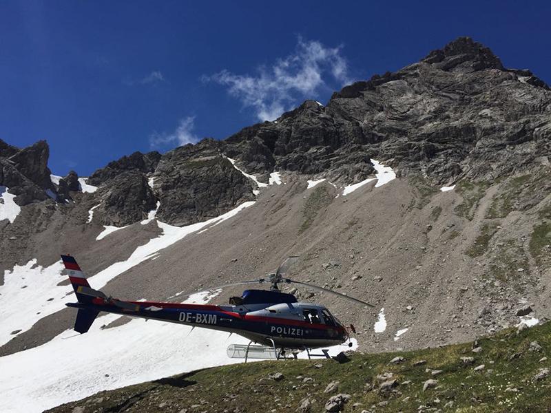 Polizeihubschrauber nach Alpinunfall in Elbigenalp