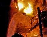 Nächtlicher Brand wird mit Wasser gelöscht