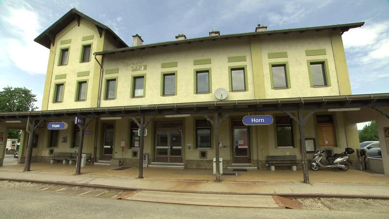 Horn Anbindung Franz Josefs Bahn Spange