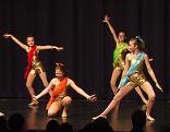 UET Dancers auf der Bühne