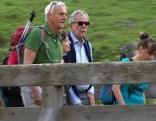 Bundespräsident Alexander Van der Bellen bei Wanderung
