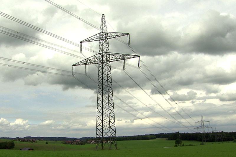 Strommasten der 380 kV Leitung im Flachgau