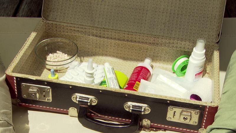 Urlaubsapotheke im Koffer