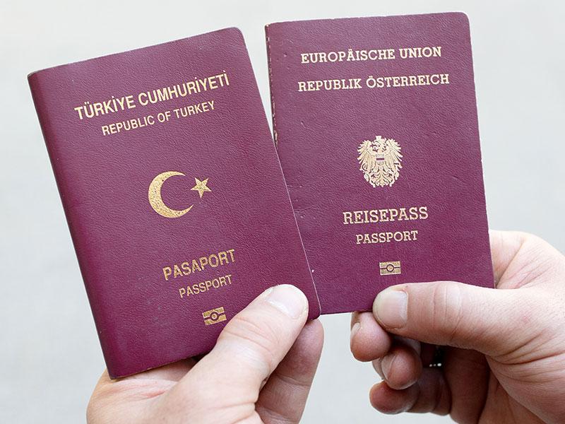 Türkischer und österreichischer Reisepass