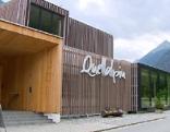 """Freizeitzentrum """"Quellalpin"""" von draußen"""