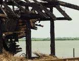 Abgebranntes Haus in Fertörakos