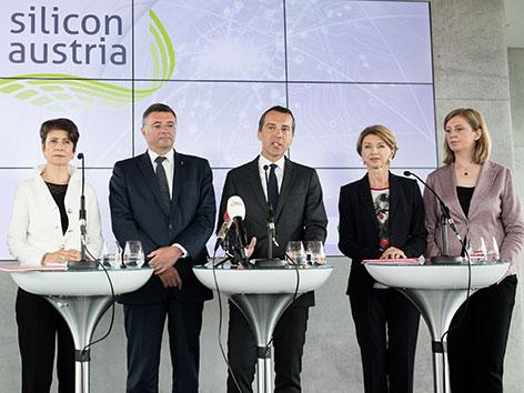 Vizepräsidentin FEEI Herlitschka, Leichtfried (SPÖ), Kern (SPÖ), Schaunig (Technologiereferintin Kärnten) und Eibinger-Miedl (Landesrätin Forschung)