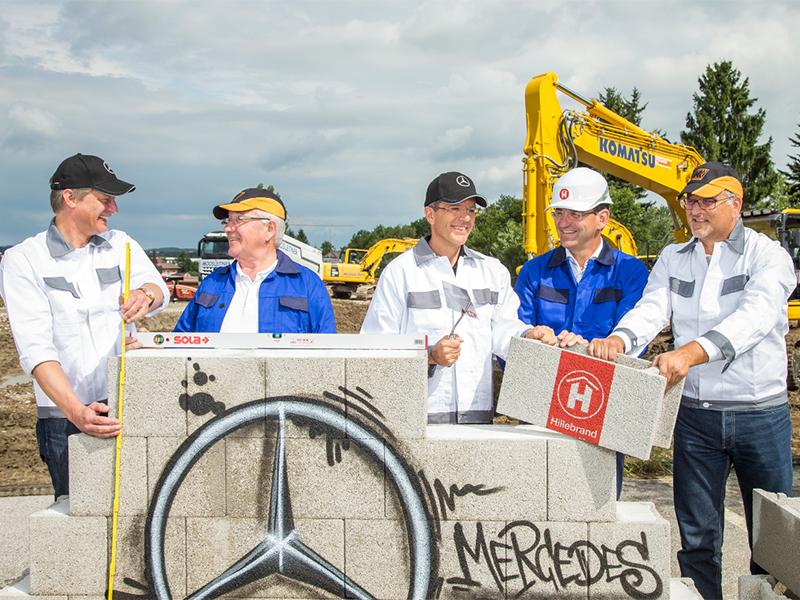 Spatenstich für die neue Zentrale von Mercedes Österreich in Eugendorf