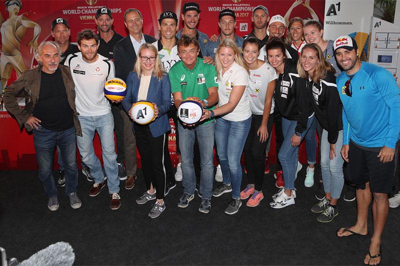 Alle niederösterreichischen Teams bei der Eröffnungs-PK in Wien