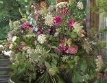 Gut gepflanzt Stehblumenstrauß