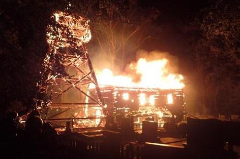 požár kostela v Třinci