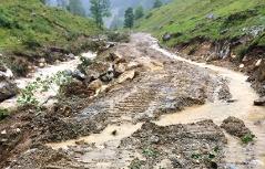Schwere Flutschäden auf Almen Hochwasser Muren Wildbach