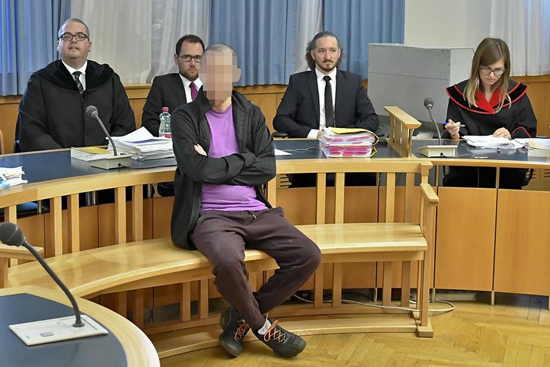 Angeklagter Algerier vor Gericht