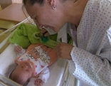 Mutter Michaela mit Baby Stefanie