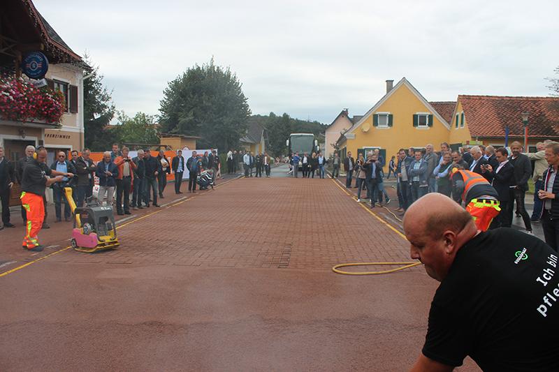 Asphaltierarbeiten in Gersdorf