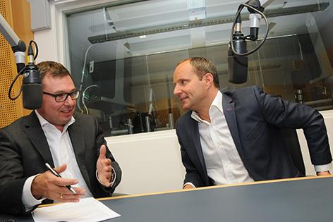 Chefredakteur Robert Ziegler und NEOS-Spitzenkandidat Matthias Strolz