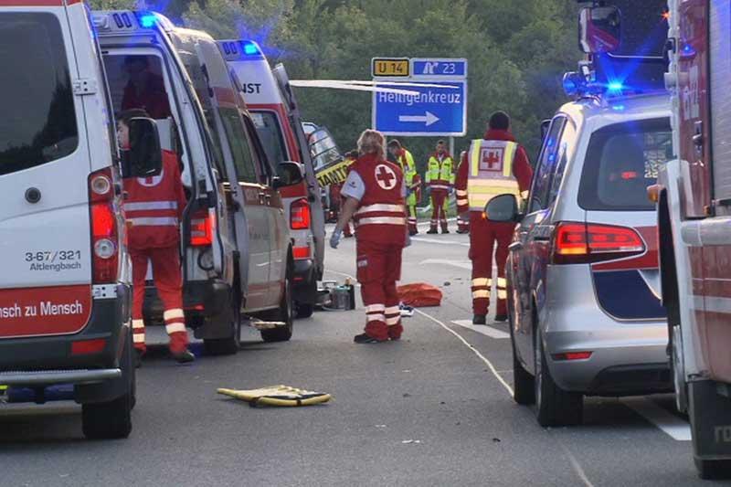 Unfall-Tragödie: Polizei ermittelt auf Autobahn
