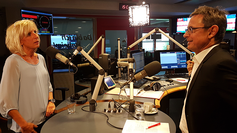 Gaby Schwarz im Radio-Burgenland-Studio