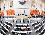 Parlament tagt