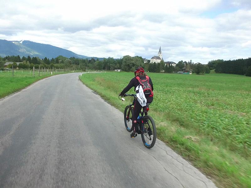 E-Bikes Elektro-Fahrräder Rad Sport