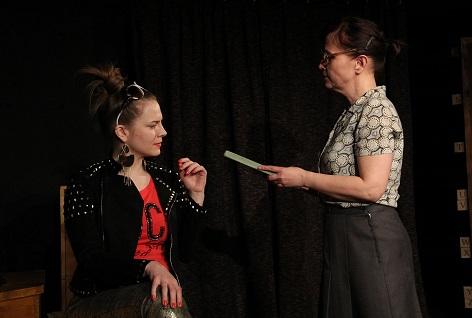Divadelní hra Skořápka