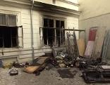 Ausgebrannte Wohnung von außen