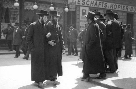 Orthodoxe Juden am Karmeliterplatz, 1915