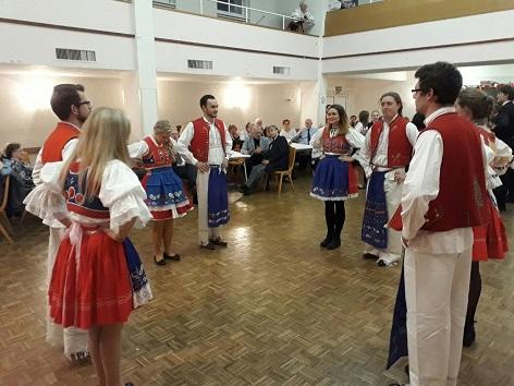 tradiční tanec Beseda