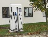 Auto, E-Tankstelle