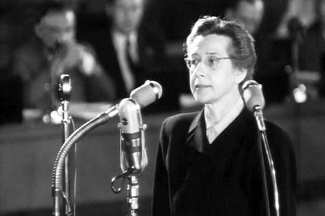 Dobová fotografie z procesu s Miladou Horákovou