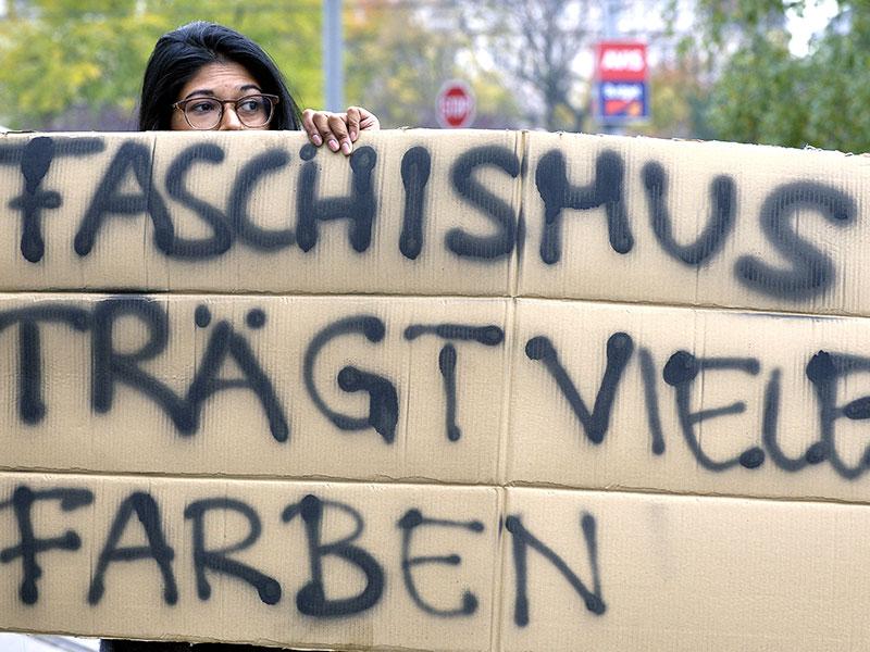 Demo gegen Burschenschafter im Nationalrat
