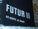"Andreas Spechtl präsentiert ""Ja, Panik""-Bandgeschichten Buch ""Futur II"" und sein Soloalbum"