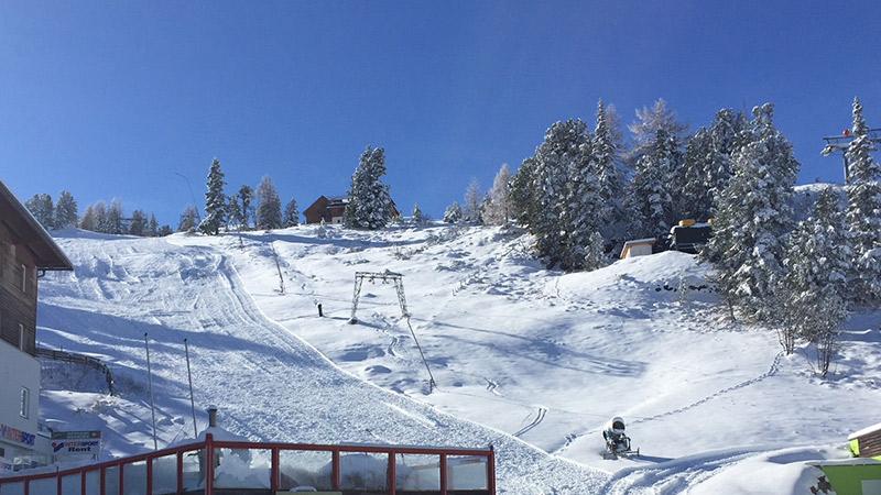 Turrach Winter Tourengeher Ski Piste Sonne