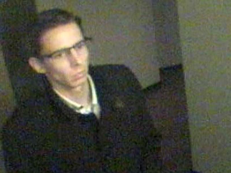Polizei fahndet nach Einbruch in Bankschließfächer nach einem Mann