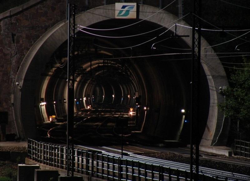 """Bahntunnel """"Pflersch"""" in Südtirol"""