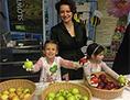 Ksenija Škrilec veleposlanica medeni zajtrk jabolka Vienna school domači izdelki potica