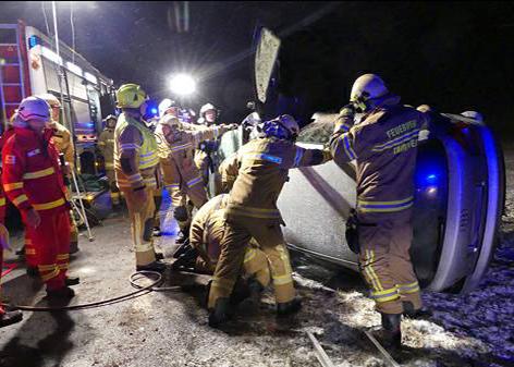 Zwei schwere Unfälle nach Winterchaos im Lungau