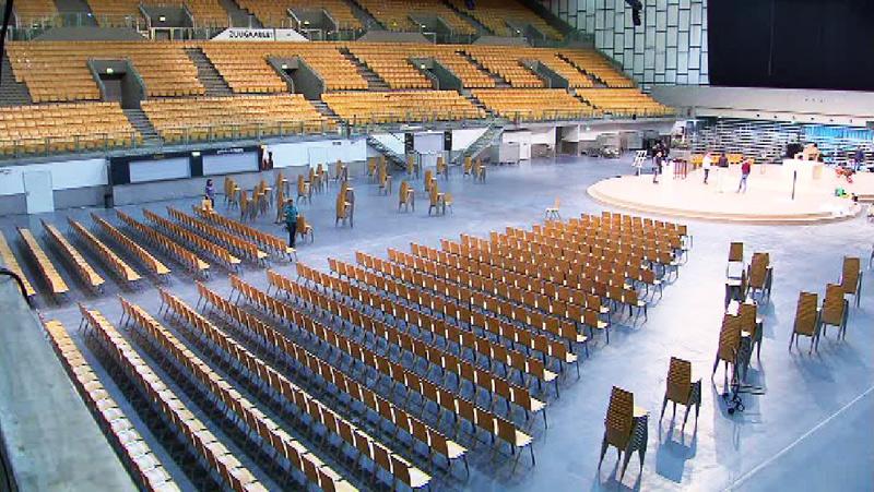 Olympiahalle vor Bischofsweihe