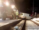 Auto auf Bahngleise gestürzt Ischl