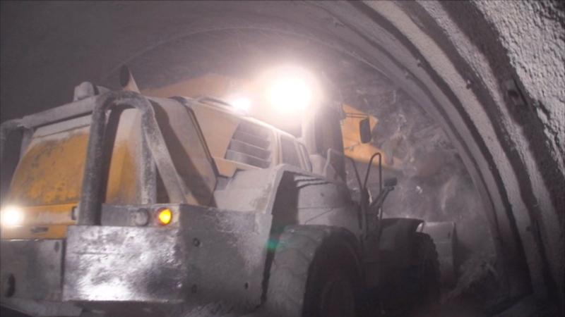 Maschine beim Ausbruch im Brennerbasistunnel