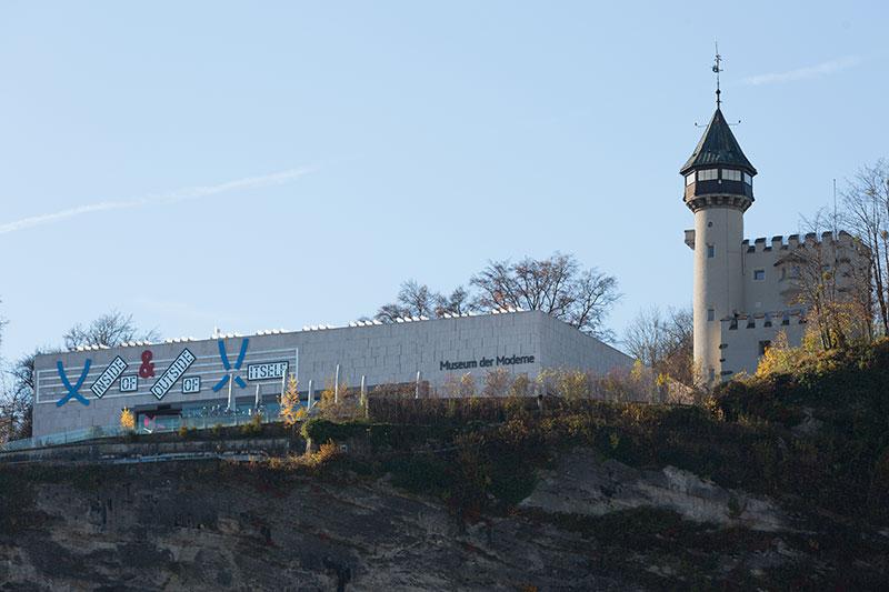 Museum der Moderne auf dem Mönchsberg in der Stadt Salzburg