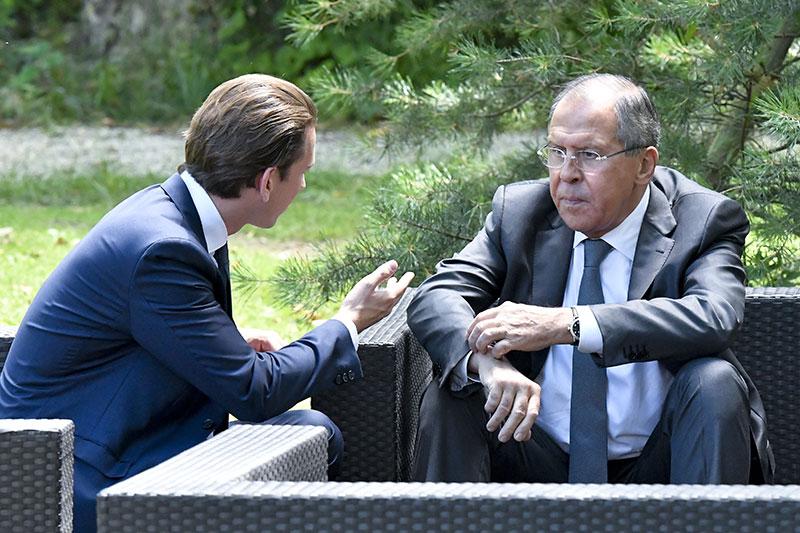 Außenminister Sebastian Kurz und sein russischer Amtskollege Sergei Lawrow im Rahmen eines informellen OSZE-Außenministertreffens in Mauerbach