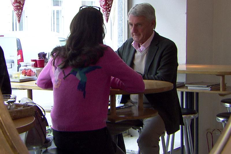 Harald und Alexandra Preuner in einem Lokal beim Mittagessen
