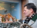 Franz Posch am Weihnachtsmarkt in Imst