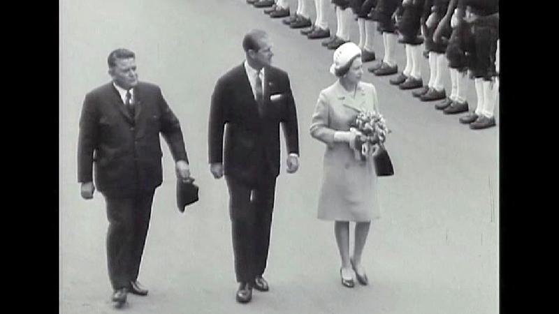 Queen Elisabeth mit Prinz Philip und Eduard Wallnöfer