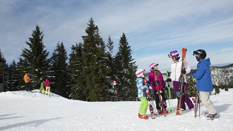 Wintersport Urlaub Skifahren Kinder