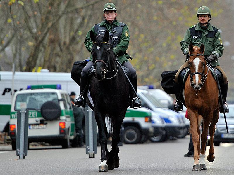 Pferde bei der Polizei: Im Trab zur Tierquälerei?