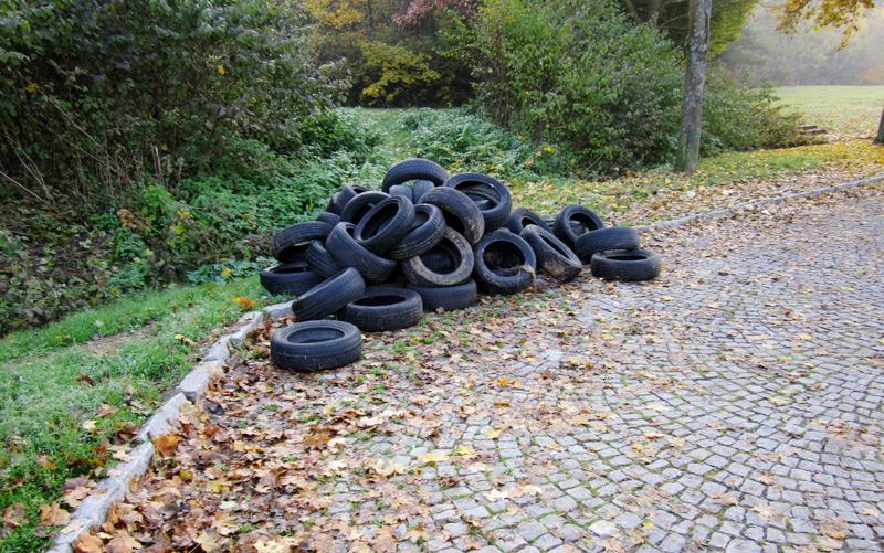 Müll auf Autobahnen
